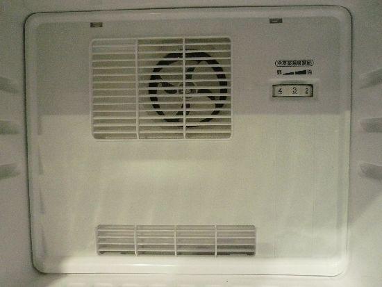 ファン冷却式の冷凍庫内