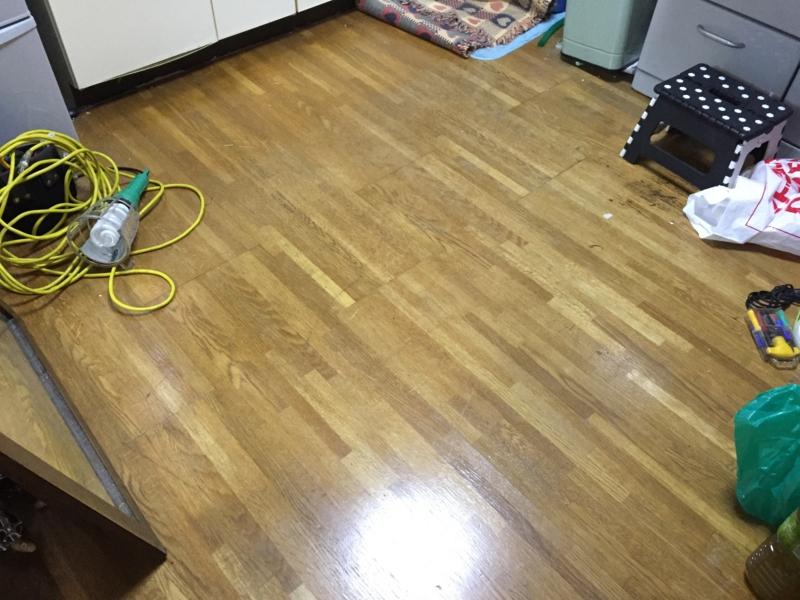 【水道のメータがとまらない 】水漏れの恐れがあるので自分の家の床に穴をあけて調べてもらった話