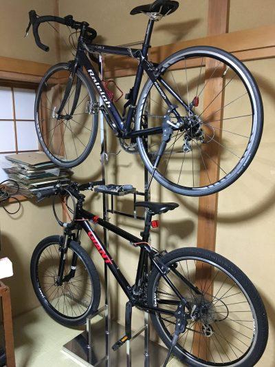ベルメゾンの自転車収納ラックスタンド(2台用)は、カッコイイしマジおすすめ