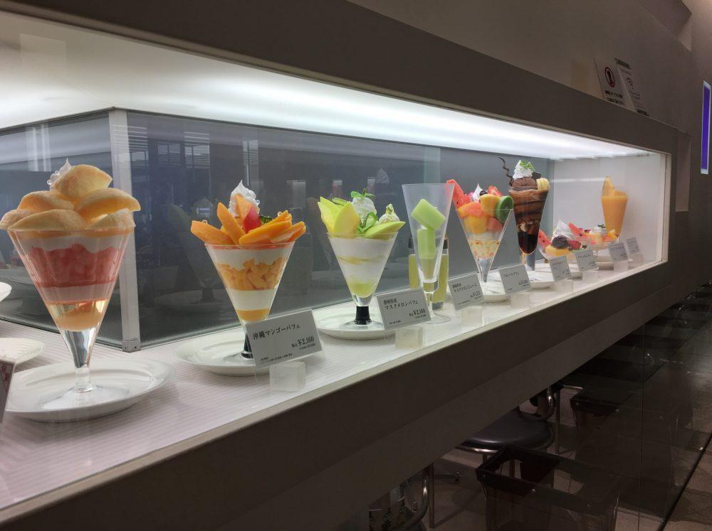 『新宿高野本店』タカノフルーツパーラーで、チョコパとマンゴーパフェを食べてきた!