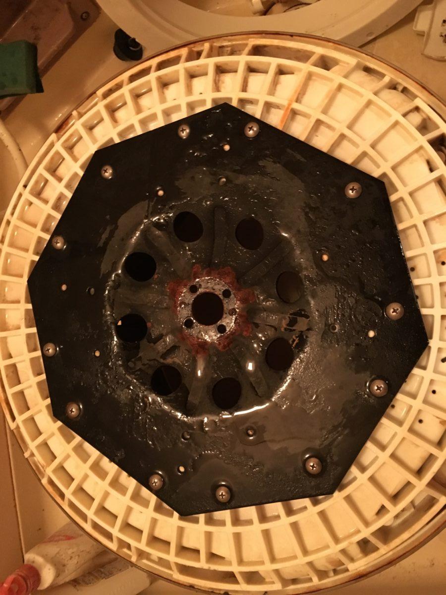 洗濯物が臭いので、自分で洗濯機の分解掃除をしてみた!アクア AQW-KP70