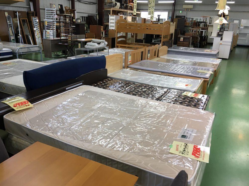 ニトリの家具を買取してもらうポイントを、リサイクルショップ店員が解説します