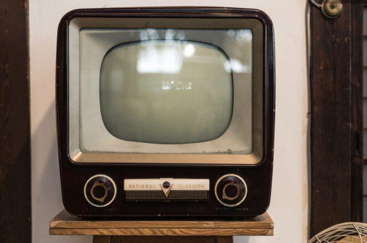 【リサイクルショップ】 テレビの買取相場は?引き取りはしてもらえるの?
